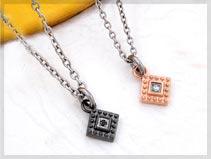 ステンレス IPコーティング ダイヤモンド/ブラックダイヤモンド ペアネックレス